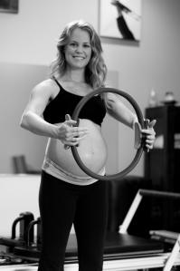 maternity-pilates-holding-ring